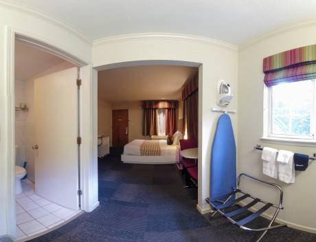 Queen - Guest Room